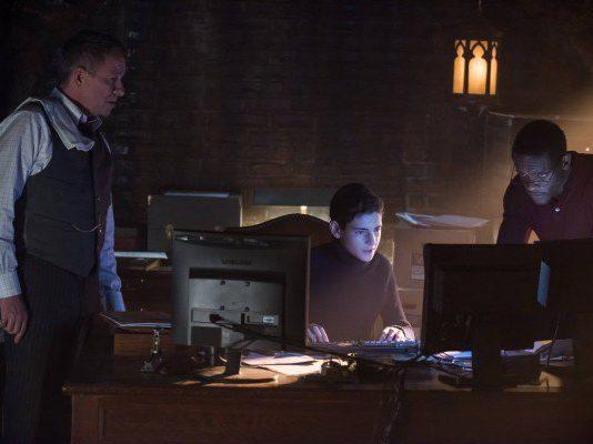 "Gotham Season 2 Episode 18 Review: ""Pinewood"""