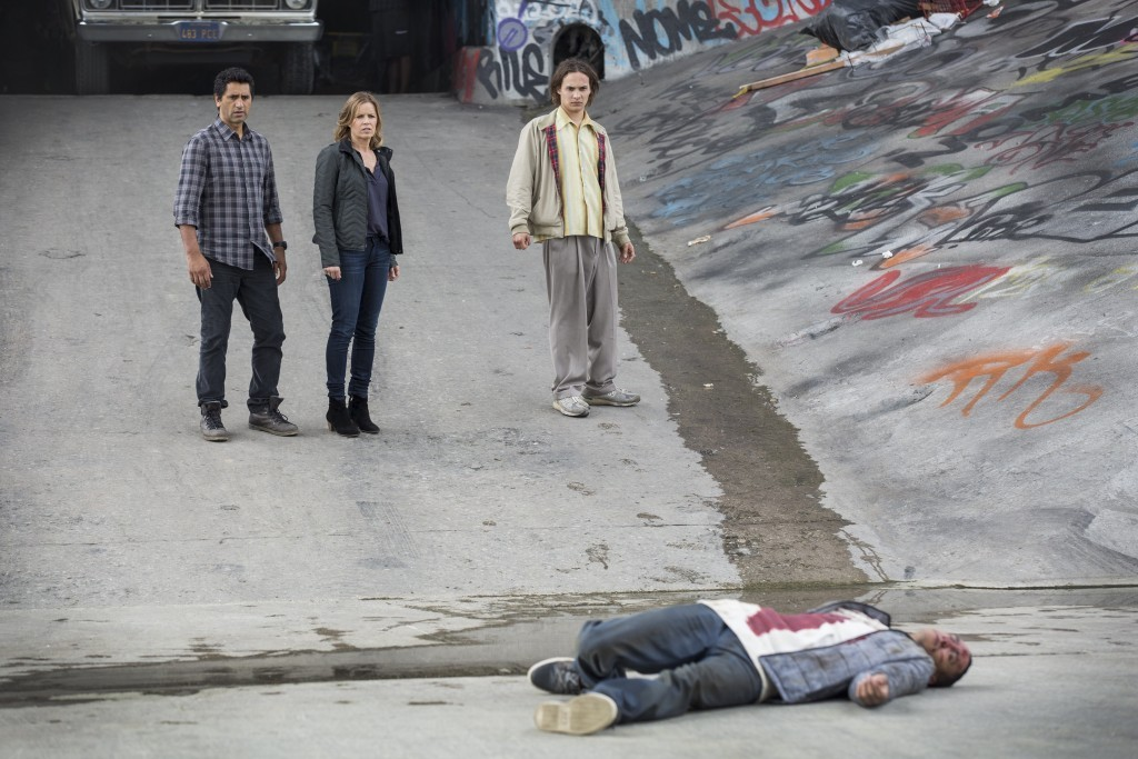 Fear the Walking Dead: Season 1 Episode 1