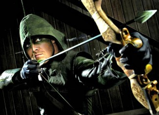Oliver Queen/ Arrow prepares for battle