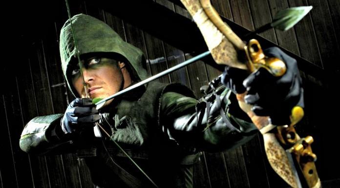 Oliver Queen/ Arrow prepares for battle