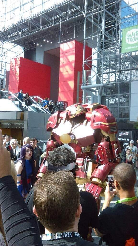 NYCC HulkBuster: Photo taken by Superherostuff.com