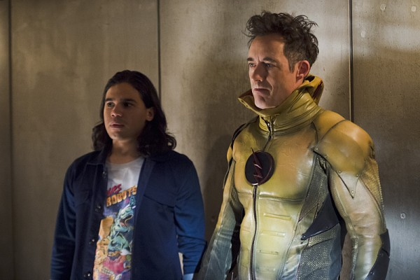 In The Flash Season 2 Episode 7, Earth 2's Harrison Wells slips on the Reverse Flash costume.