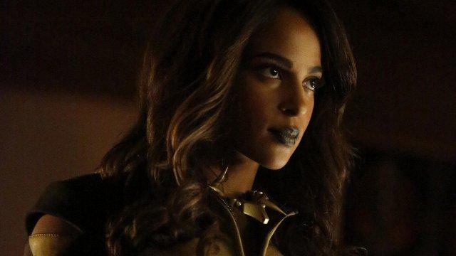 "Arrow Season 4 Episode 15: ""Taken"""