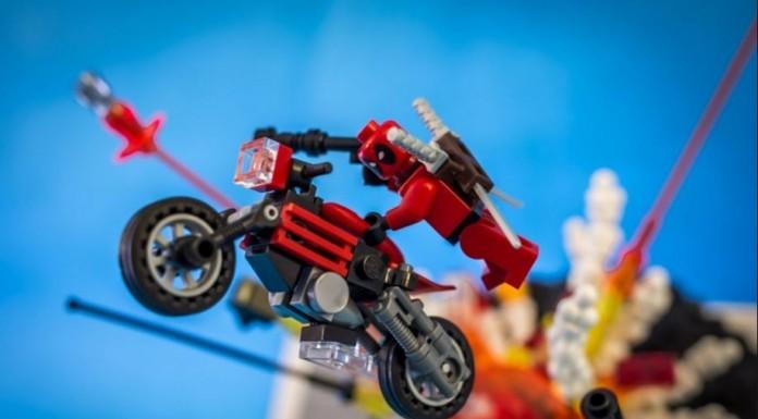 Deadpool faux-LEGO!