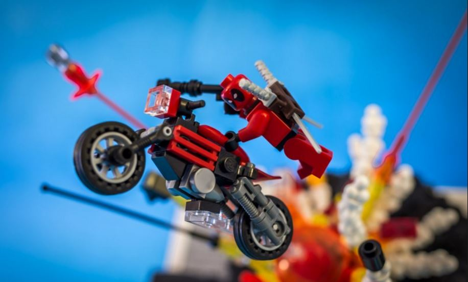 Deadpool faux-LEGO!
