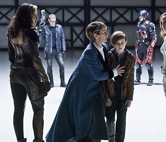 "Legends of Tomorrow Season 1 Episode 12 Review: ""Last Refuge"""