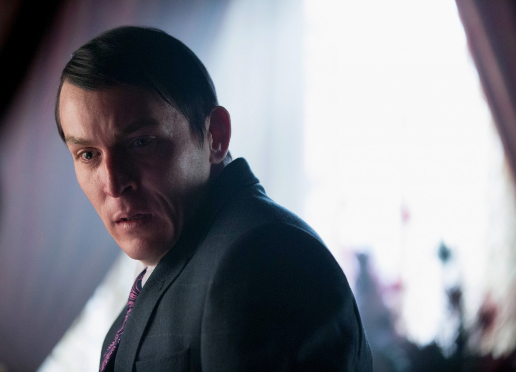 "Gotham Season 2 Episode 17 Review: ""Into the Woods"""