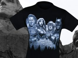 New Justice League Mount Justice Men's T-Shirt!