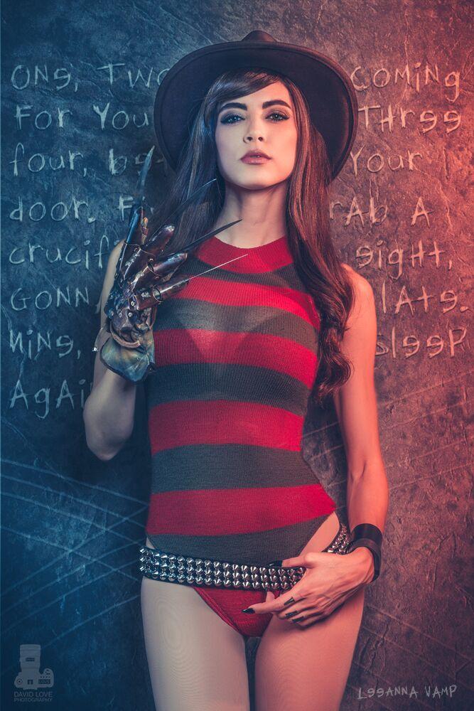 Cosplay Spotlight: Meet LeeAnna Vamp!
