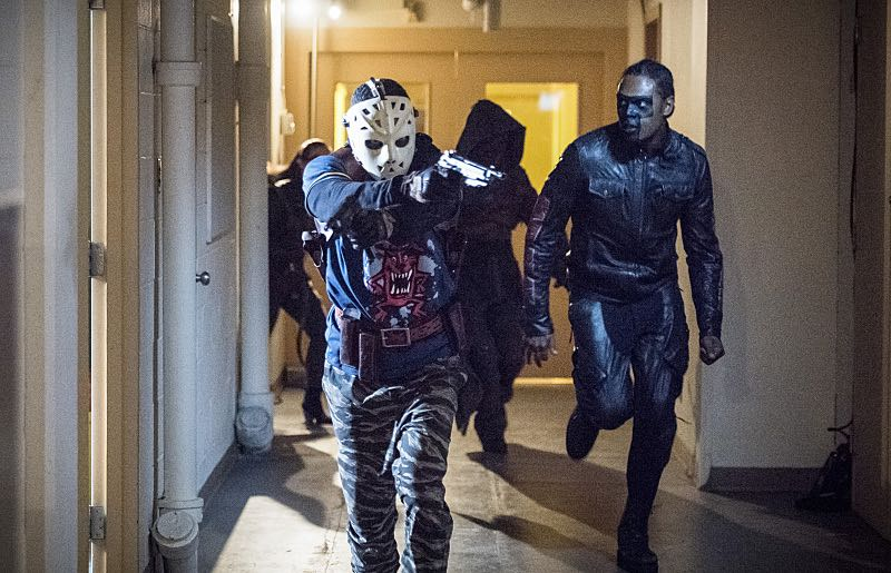 "Arrow's Team Suits Up in New Images from Season 5 Episode 4: ""Penance"""