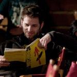 Zack Snyder reading Watchmen